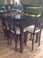 Table and Chairs located in High Prairie