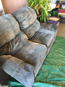 Elran Couch & Loveseat Recliners