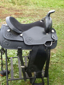 16 in NEW BLACK WESTERN SADDLE