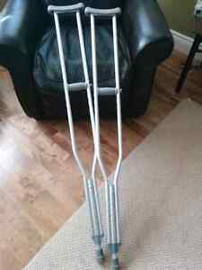 "Crutches for 5'10"" to 6'6"" in excellent condition!"