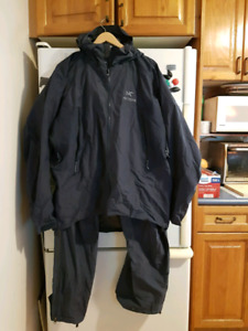 Arc'Teryx Goretex Mens jacket and pants