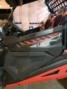 Polaris rzr lock and ride roof and lower door inserts