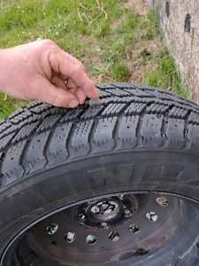 Like New Winter Tires 195 /65 15