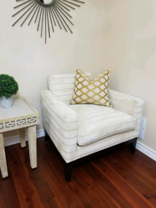 Accent Club Chair with Table