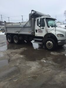 Camion dompeur 10 roues Freightliner M2-106