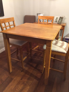 Counter Height Solid Wood Dining Room Table and 4 Chairs