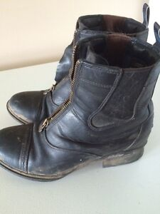 Ariat Size9  Paddock Boots Kawartha Lakes Peterborough Area image 5