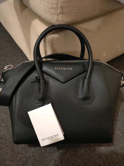 Givenchy Antigona   AUTHENTIC WITH RECEIPT    2d9bb40485ef5