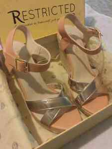 Soft pink wedge strap sandles London Ontario image 3