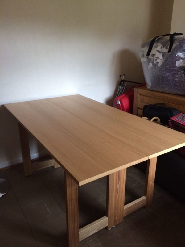 NEXT OAK DINING TABLE folds in half to console tanle  : 86 from www.gumtree.com size 600 x 800 jpeg 38kB