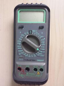 Multimeter WAVETEK DM25XT with a shock cover