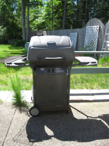 BAR-B-QUE, EXCELLENT WORKING, GAS, HAS EXTRA FEATURES