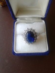 Duchess of Cambridge/ Kate Middleton  Engagement Ring with Match