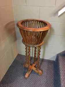 Antique kitchen chairs and plant stand Windsor Region Ontario image 3