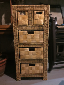 Wicker stand with 5 baskets