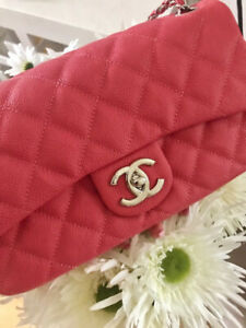 a9156d80ca3 CHANEL Raspberry Red Coral Pink Classic Medium Caviar Quilted