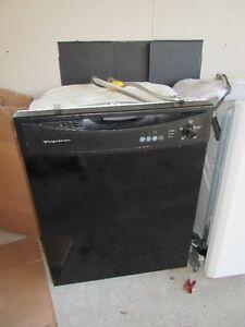 lave-vaisselle noir Frigidaire