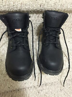 Steel toe safety boots for men size:8 1/2