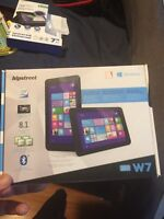 """Brand new 7"""" windows 16gb hipstreet tablet @@ reduced to sell@@"""