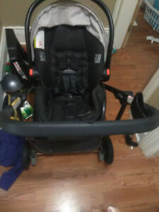 GRACO Click Connect Travel System.