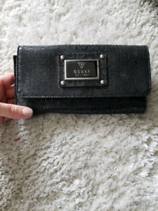 Black Guess wallet perfect condition