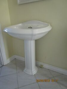 KOHLER PEDESTAL SINK Kitchener / Waterloo Kitchener Area image 1