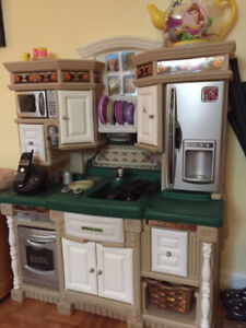 Kitchen cabinet, kichenette Great toy for Christmas