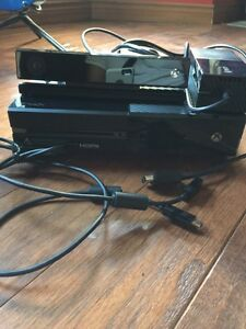 Xbox One with Two remotes, 4 games