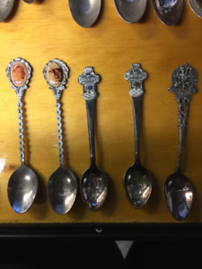 Collectable spoons including some Princess Diana memoribilia