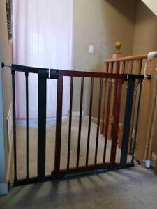 Munchkin 31283 Wood Steel Designer Gate