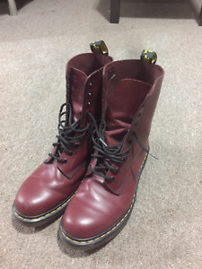 Doc Martens 1490 Cherry Red Smooth size 11 US