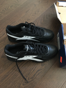 RBK  NFL referee low turf  shoes