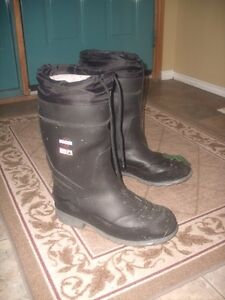 Aggressor Steel-Toed Rubber Boots