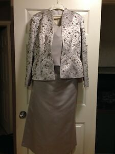 Never worn, beautiful, silver Mother of the Bride/Groom Dress