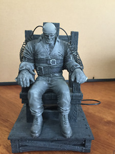 Sin City Marv Deluxe Electric Chair McFarlane Toys
