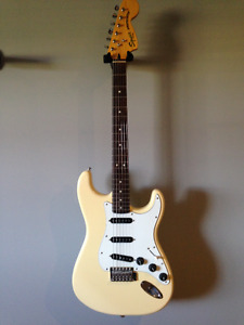 70s Vintage Modified Squire Strat