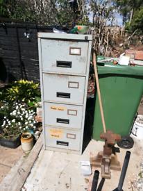 Free 4 drawer filing cabinet ideal storage.