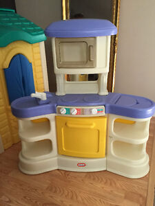 LITTLE TIKES PLAYHOUSE AND MINI KITCHEN Cambridge Kitchener Area image 5
