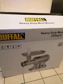 Buffalo heavy duty mincer 800w new