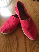 Toms Womens size 7.5