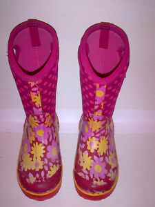 Bogs Kid's Girls Classic Flower Dot Cherry Pink Youth Size 2 Stratford Kitchener Area image 2