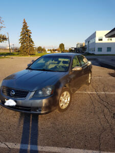 2005 Nissan Altima 2.5 S Sedan. Only 156k . Great condition