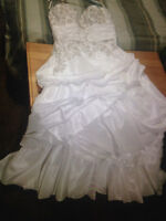 Size 18 figure flattering wedding gown