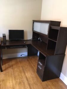 Corner Office desk good condition