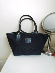 COACH Bleecker Signature Tote Bag Purse in Black F14385