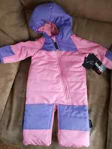 Thinsulate Snowsuit size 6months never worn