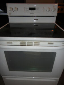 Maytag White Glass Stove in Good Condition