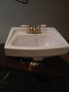 Attractive Sink and Tap set