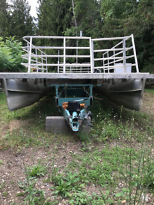 Pontoon Boat | Kijiji in British Columbia  - Buy, Sell
