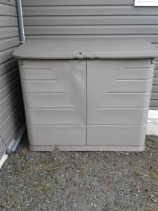 Rubbermaid Storage shed.